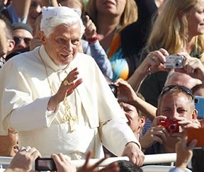 Pope Benedict`s reflection praised and criticized Second Vatican Council`s documents.