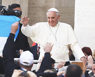 Pope Francis clearly knows how to communicate, says Vatican media adviser Greg Burke.